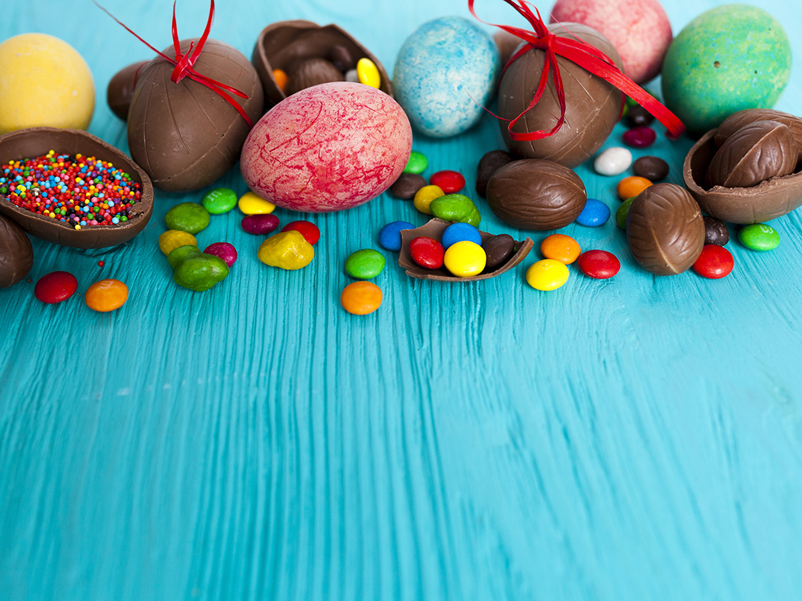 Фото Пасха яиц Шоколад Конфеты Еда сладкая еда 1600x1200 яйцо Яйца яйцами Пища Продукты питания Сладости