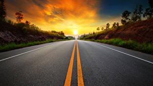 Картинки Рассветы и закаты Дороги Асфальт Полосатый