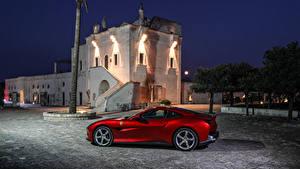 Картинка Ferrari Красный Сбоку 2018 Portofino Автомобили