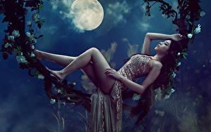 Обои Азиаты Луной Ночные Лежачие Ноги Красивая Платье Фотомодель Позирует Девушки
