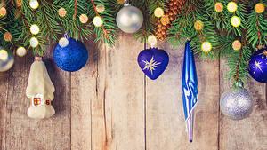 Фотографии Рождество Доски Ветки Шар Гирлянда