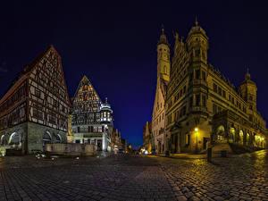 Картинка Германия Здания Дороги Бавария Улица Ночные Rothenburg город