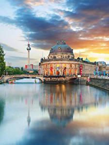 Обои Берлин Германия Здания Река Облако Водный канал