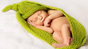 Картинка Белом фоне Младенца Шапки Спящий