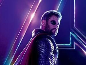 Картинки Мстители: Война бесконечности Chris Hemsworth Тор герой Мужчины Повязкой на глазе Знаменитости
