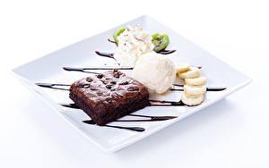 Фото Сладости Пирожное Мороженое Шоколад Десерт Белый фон Шар Продукты питания