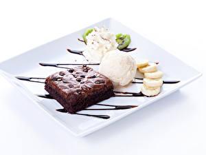 Фото Сладости Пирожное Мороженое Шоколад Десерт Белый фон Шарики