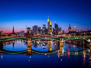 Обои Франкфурт-на-Майне Германия Здания Речка Мосты Ночные Города