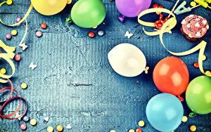 Картинка День рождения Праздники Воздушным шариком Шаблон поздравительной открытки