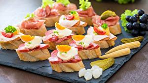 Обои Быстрое питание Бутерброды Хлеб Колбаса Яйца Еда