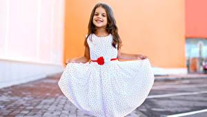 Фотографии Девочки Улыбка Платье ребёнок