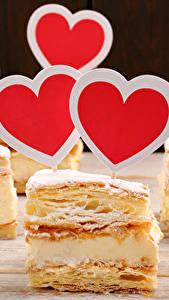 Картинка День святого Валентина Сладкая еда Пирожное Сердце Продукты питания