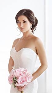 Фото Букеты Шатенка Невесты Платье Девушки
