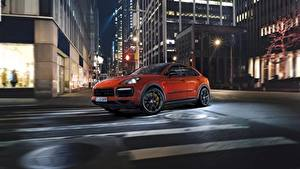 Обои Порше Ночь Улица Оранжевый Едущий Cayenne Turbo 2019 Автомобили