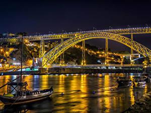 Фото Португалия Портус Кале Речка Мосты Лодки Уличные фонари Ночные город