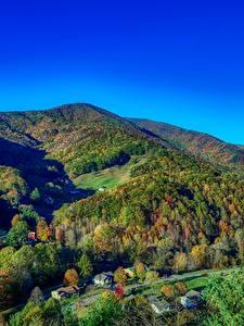 Картинка Штаты Горы Леса Осень Пейзаж Деревня North Carolina
