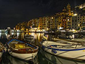 Фотография Италия Лигурия Причалы Лодки Дома Залива Ночью PortoVenere Города