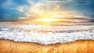 Картинки Рассвет и закат Море Волны Небо