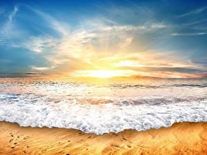 Картинки Рассвет и закат Море Волны Небо Природа
