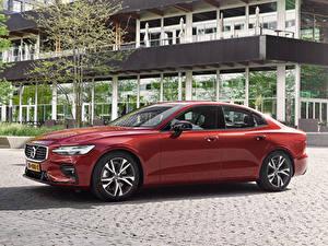 Обои Volvo Темно красный Металлик 2018-19 S60 T5 R-Design Worldwide Автомобили
