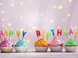 Фотография Капкейк кекс День рождения Свечи Пламя Английская Еда