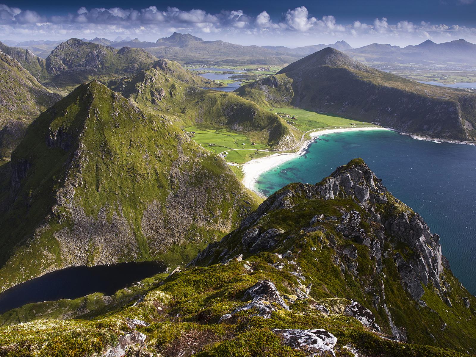 Обои для рабочего стола Лофотенские острова Норвегия Vagen Горы Природа Побережье 1600x1200 гора берег