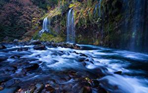 Картинка Штаты Речка Водопады Осенние Калифорния Sacramento River