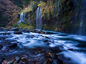 Картинка Штаты Речка Водопады Осенние Калифорния Sacramento River Природа