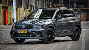 Фото Фольксваген Серые Металлик 2018-19 Tiguan R-Line Black Style Worldwide авто