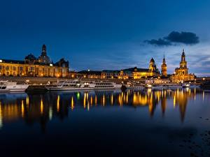 Картинка Германия Дрезден Речка Речные суда Вечер historical center of Dresden город
