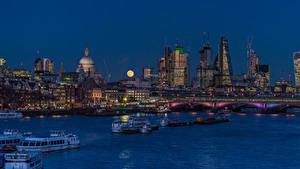 Обои Англия Дома Река Мосты Речные суда Причалы Лондон Ночные Луна город