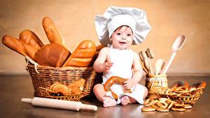 Фотография Выпечка Хлеб Грудной ребёнок Мальчики Повар Корзина Ребёнок