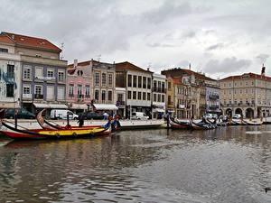 Фото Здания Португалия Лодки Водный канал Aveiro город