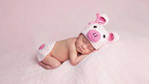Фотография Младенцы В шапке Спящий