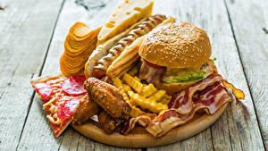 Фото Быстрое питание Гамбургер Хот-дог Сыры Картофель фри Мясные продукты Доски Чипсы