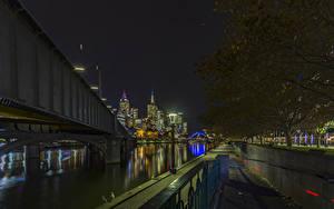 Фотографии Австралия Мельбурн Здания Речка Мосты Ночные город