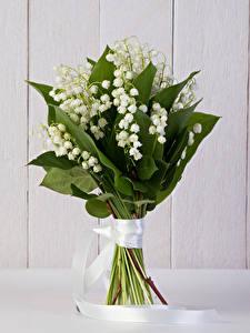 Картинка Букет Ландыши Доски цветок