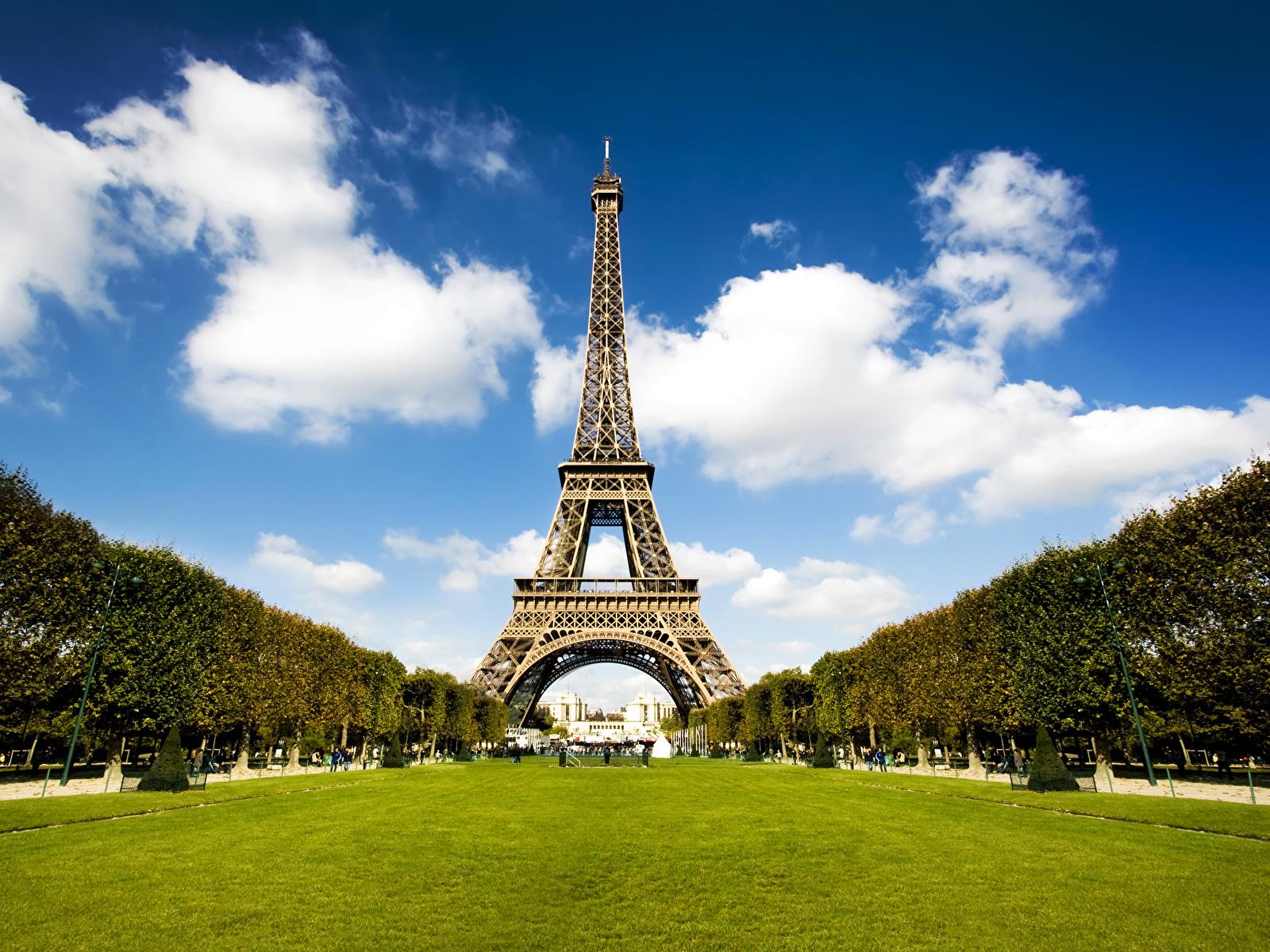 Картинки Париж Эйфелева башня Франция Парки город 1600x1200 париже парк Города