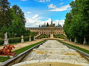 Картинка Испания Здания Скульптуры Дворец Лестницы Royal Palace of La Granja Города