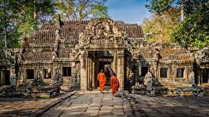 Картинки Храмы Азиатка Город Angkor Wat, Angkor, Cambodia, monk Города