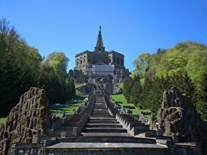 Картинка Германия Парки Скульптуры Лестницы Скала Hercules, Kassel, Wilhelmshöhe mountain Park Города