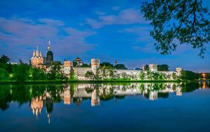 Обои Россия Москва Храмы Монастырь Река Novodevichy monastery Города