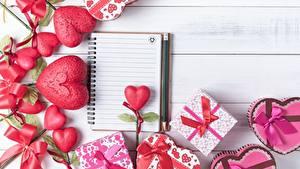 Картинки День святого Валентина Сердце Блокнот Подарки Цветы