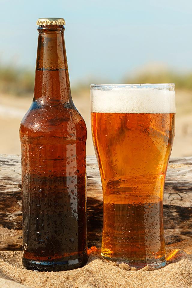 Фотографии Пиво стакана Еда пеной бутылки 640x960 для мобильного телефона Стакан стакане Пища Пена пене Бутылка Продукты питания