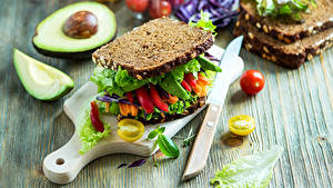 Обои Бутерброд Хлеб Овощи Авокадо Нож Сэндвич Разделочная доска