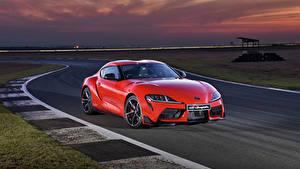 Фотография Toyota Красный Металлик 2019 GR Supra Автомобили
