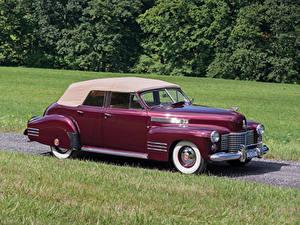 Фото Cadillac Старинные Бордовая Металлик 1941 Sixty-Two Convertible Sedan Deluxe авто