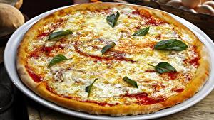 Обои Быстрое питание Пицца Сыры Тарелка Кетчупом Пища