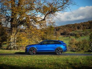 Фото Jaguar Синие Металлик Сбоку CUV F-Pace SVR, 2020 автомобиль