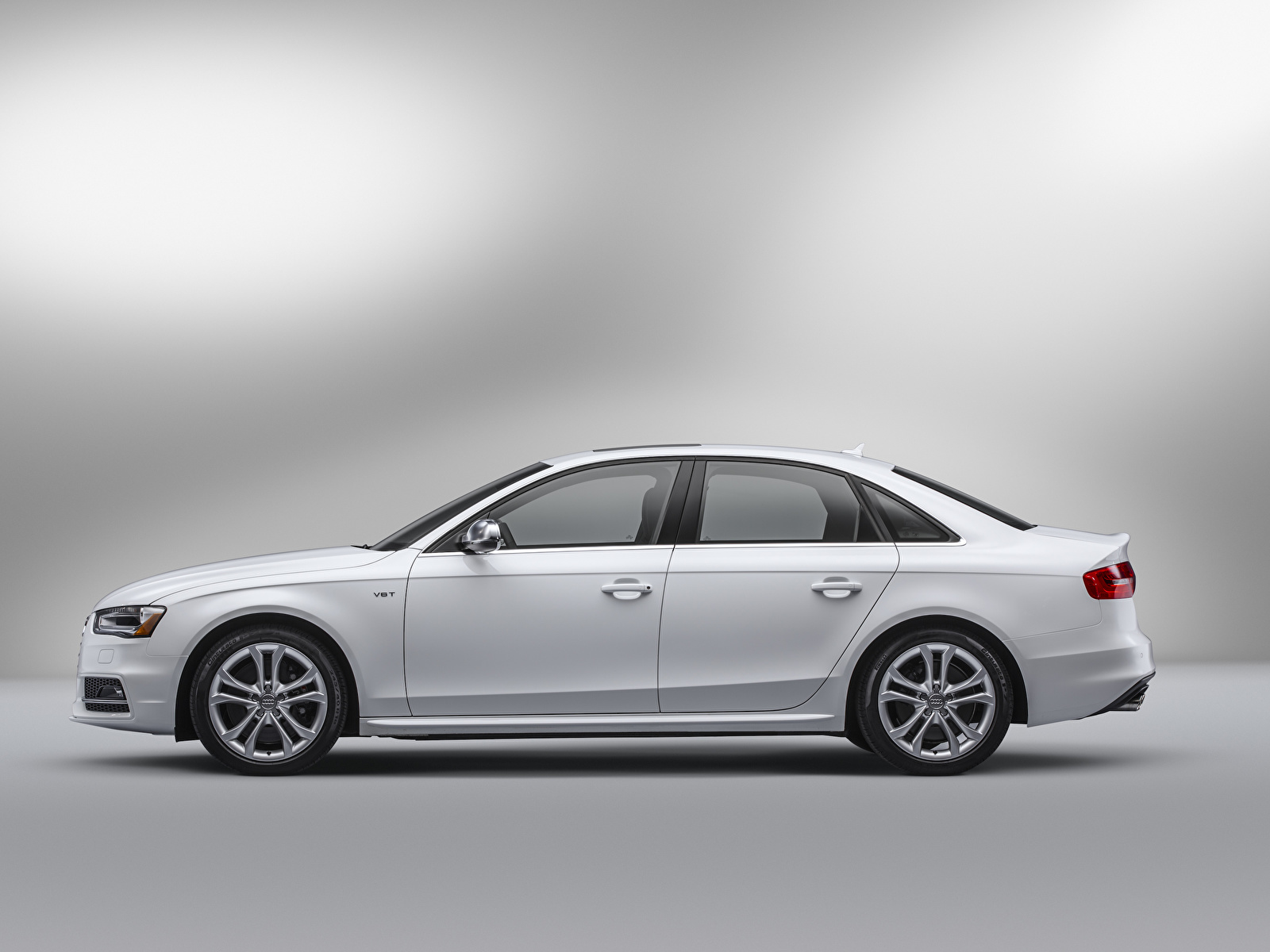 Картинка Ауди S4 Sedan, North America, (B8, 8K), 2012–17 белая авто Сбоку Металлик 1600x1200 Audi Белый белые белых машина машины Автомобили автомобиль